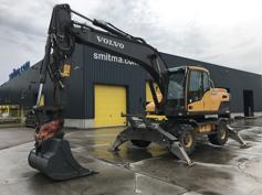 Picture of VOLVO EW180D w 4 stabilizers